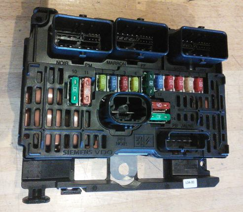 282236218835 further Citreon Immobilizer together with Ford Fiesta 2006 Fuse Box Location together with ZENpj8upguA in addition 222296717480. on fuse box layout citroen c4